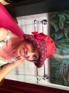 """Stephanie a beaucoup aiméce chapeau de pluie """" nouvelle collection"""""""