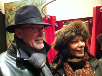 Shopping a deux sous la neige a Paris aujourd'hui8