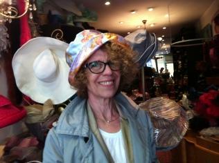Un chapeau de pluie, qui donne envie de sourire!