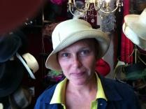Ideal! le chapeau à glisser dans son sac! Pour le soleil!