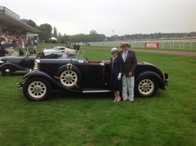 Felicitations! A nos clients et à leur automobile. Une Panhard 1932