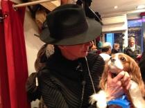 Marilyn aussi aime les chapeaux pour homme.