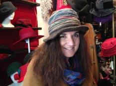 Rosina,Joli chapeau roulable.