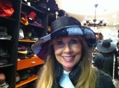 Chapeaux pour la pluie! Rayon trés large!