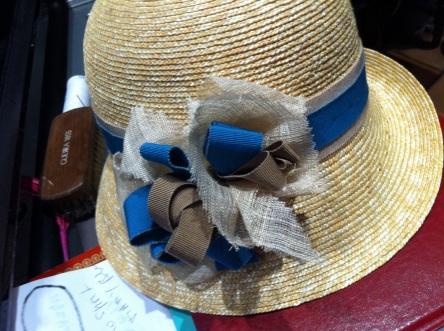 Detail de garniture realisés sur mesures, pour personnaliser un de nos chapeaux;